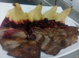 Fileu de rata cu sos din fructe de padure