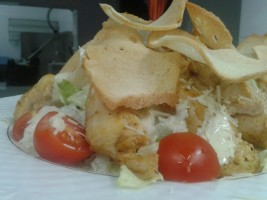 Salata Cezar cu fleu de pui